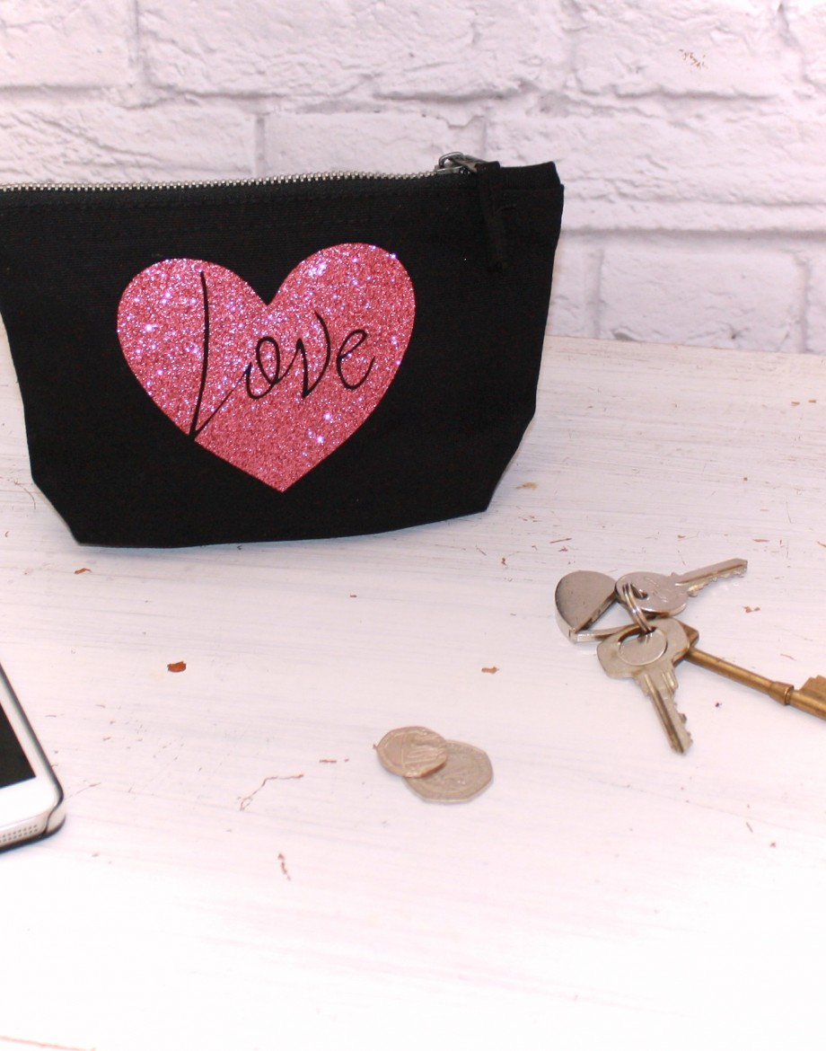 Glitter Heart Pouch Love