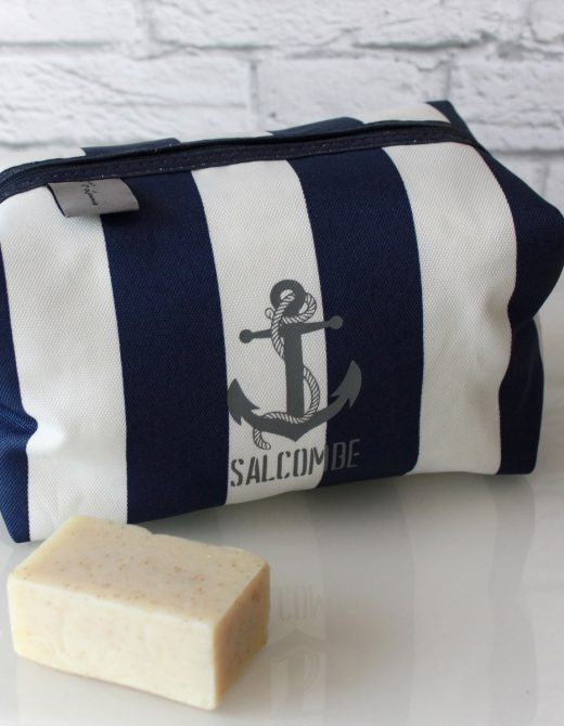Men's-Navy-Stripe-Salcombe-Print-Wash-Bag