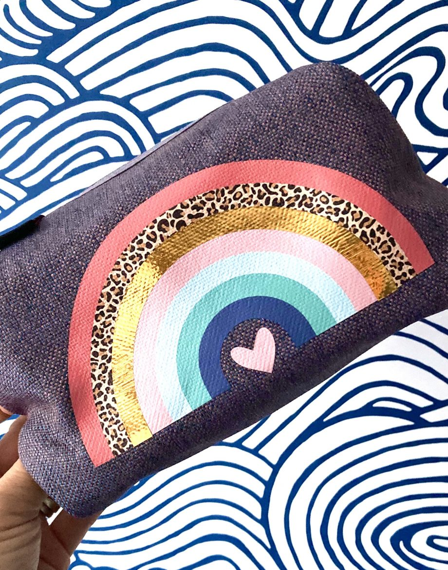 Rainbow-Heart-Print-Boxy-Wash-Bag