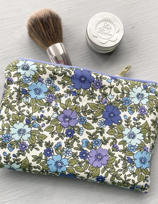 Cornflour-Vintage-Floral-Make-Up-Bag